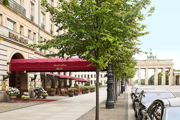 Hotel-Adlon-outside2_1891_Original