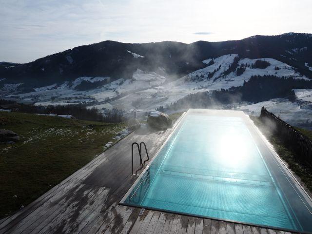Aussicht von der Terrasse des Bogner Chalet im Berdorf Priesteregg in Leogang, Österreich